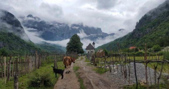 Peaks Of The Balkans - Trek Balkan - walking in theth